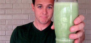 drinking-green-shake-for-vocal-health-460x220